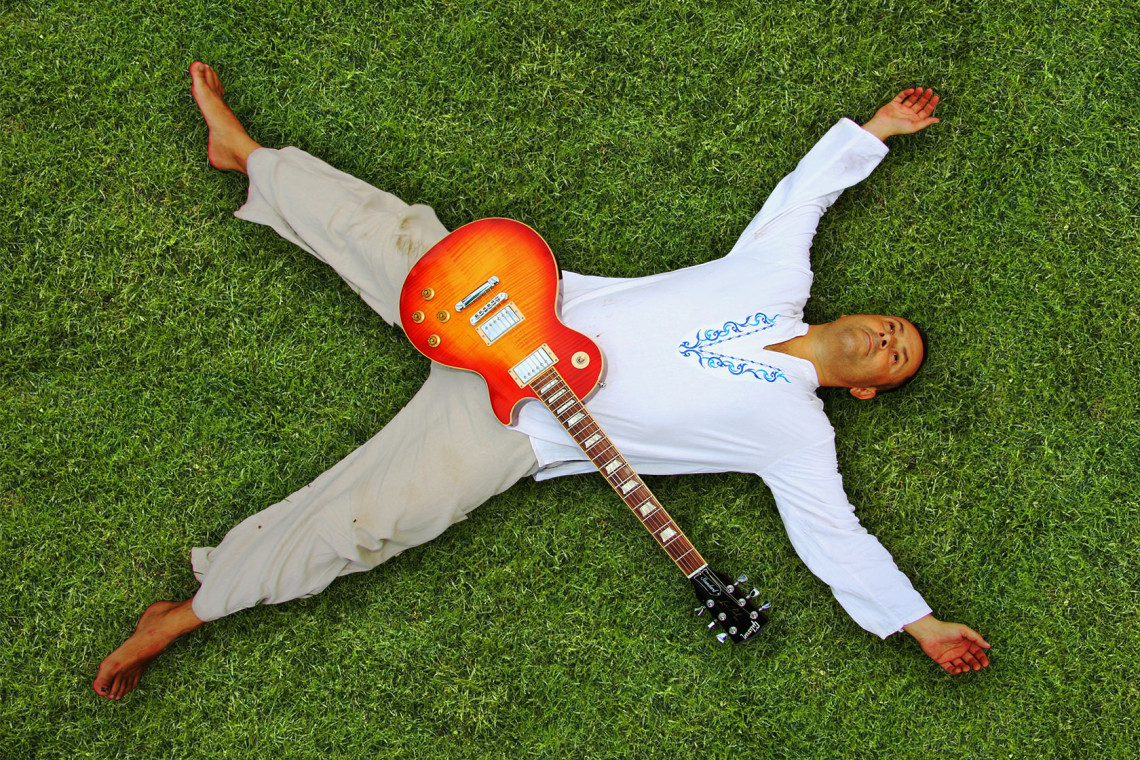 Michael-Boogie-lying-on-Grass